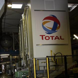 TOTAL BELGIUM ERTVELDE choisit des LIFTS MODULA CONDITIONNÉS